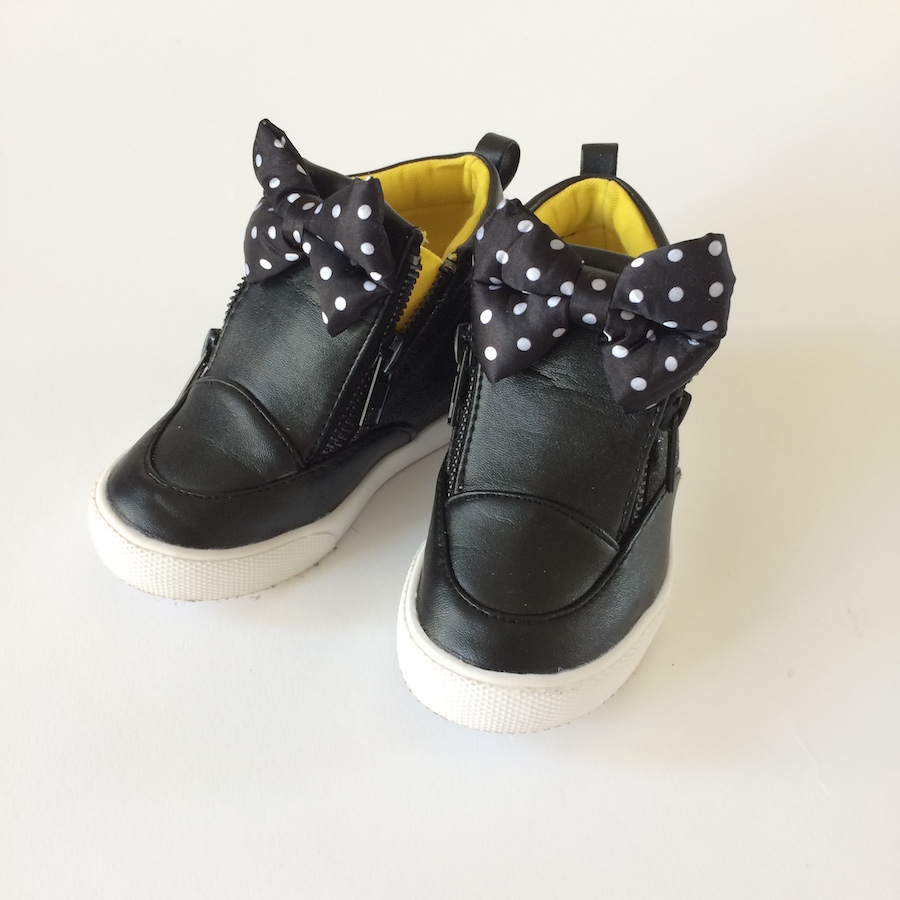 Disney Minnie Mouse Sneakers Size 8