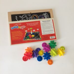 Melissa & Doug – Gears and Shapes