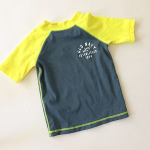 Old Navy Rash Guard – 3T